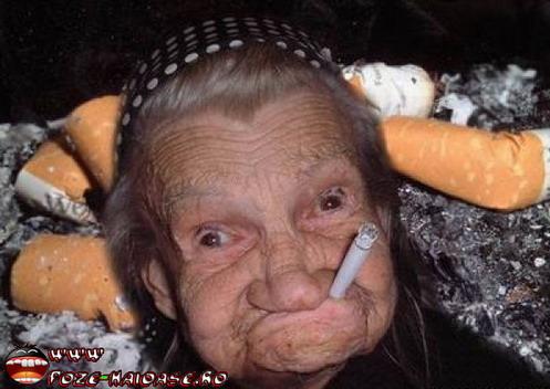 Bunica Fumeaza, Fotografii