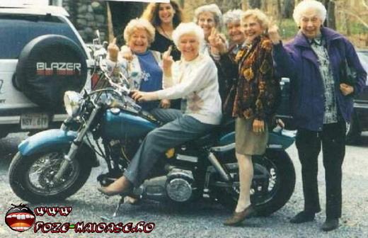 Fetele Pe Motocicleta